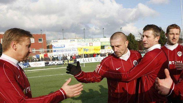 Zleva sparťané Horst Siegl, Tomáš Řepka, Michal Horňák a Milan Fukal během silvestrovského derby se Slavií.