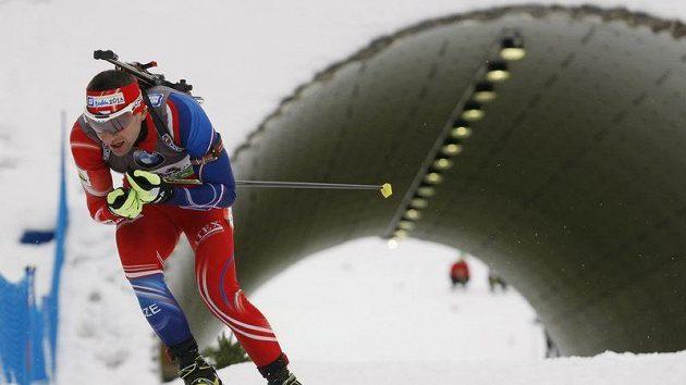 Český biatlonista Tomáš Holubec na trati v Novém Městě na Moravě