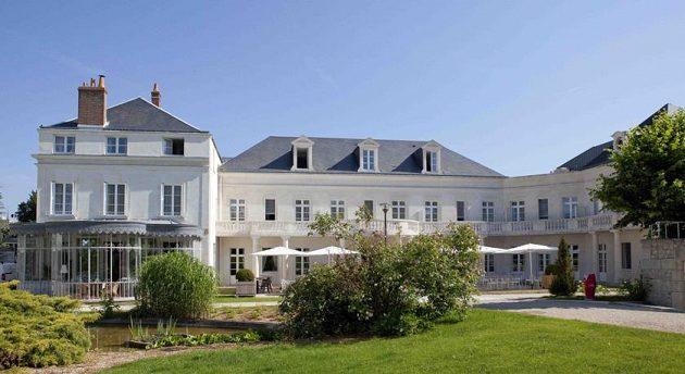 Česká fotbalová reprezentace najde během evropského šampionátu domov v hotelu Clarion Chateau Belmont v Tours.