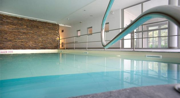 Přímo v hotelu je k dispozici vyhřívaný bazén.