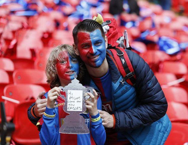 Natěšení fanoušci Crystal Palace před velkým finále.