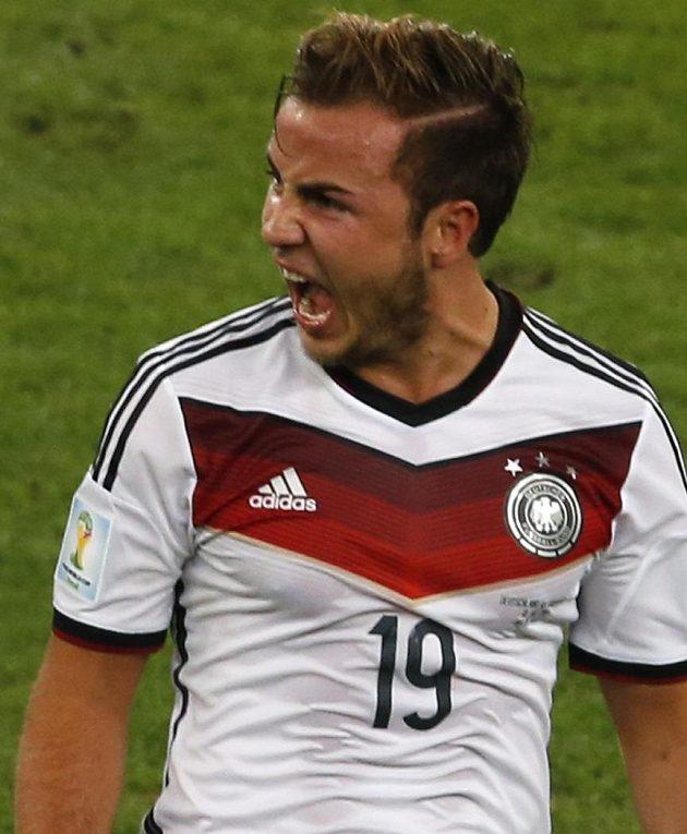 Mario Götze se raduje ze vstřelení gólu proti Argentině ve finále MS.