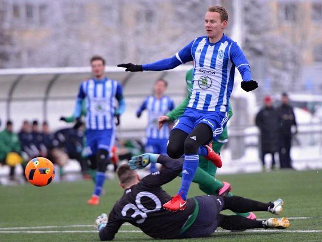 Mladoboleslavský Jan Chramosta otevřel skóre zápasu s Vltavínem.