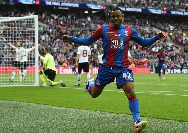 Jason Puncheon vstřelil úvodní gól Crystal Palace.