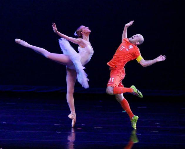 Arjen Robben jako baletní hvězda.