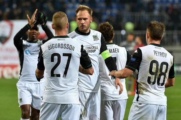 Hráči FC Krasnodar se radují po výhře v základní skupině Evropské ligy.