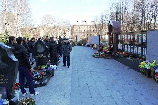Hráči Lva uctili památku zesnulých hokejistů.