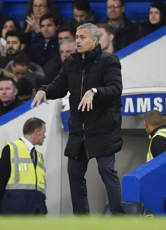 Téměř každý zápas na lavičce José Mourinho prožívá velmi emotivně.