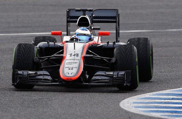 Fernando Alonso na trati v Jerezu.