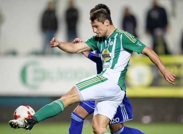 Pozor, takhle pálí Jevgenij Kabajev! Ruský útočník Bohemians střílí gól na 1:1 v utkání s Baníkem Ostrava.