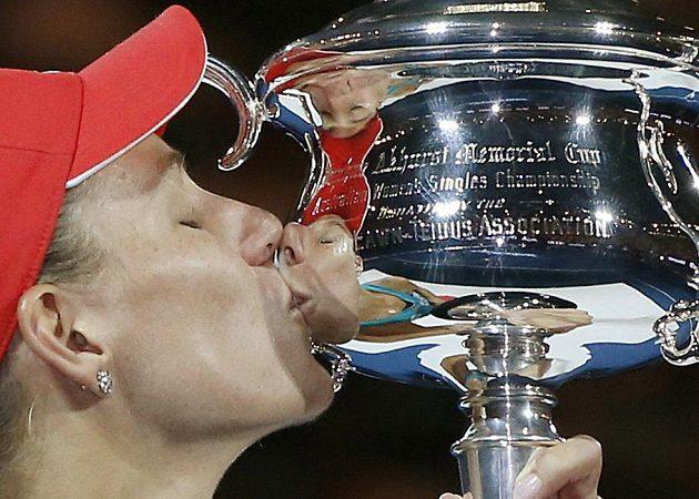Německá tenistka Angelique Kerberová vyhrála v Melbourne svůj první grandslam.
