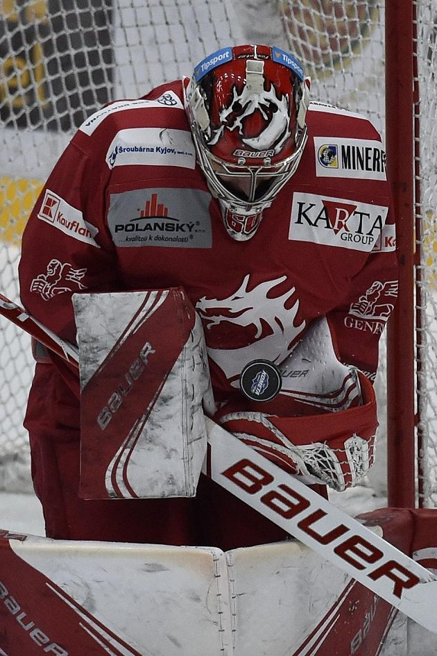 Brankář hokejového Třince Petr Kváča.