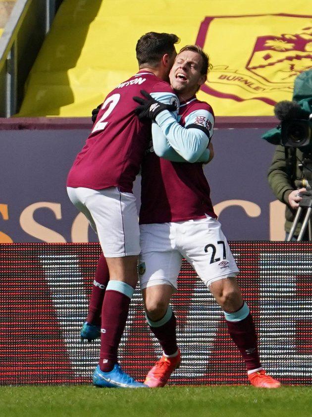 Matěj Vydra z Burnley slaví gól.