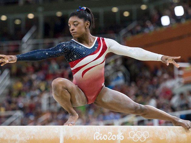 Americká gymnastka Simona Bilesová.