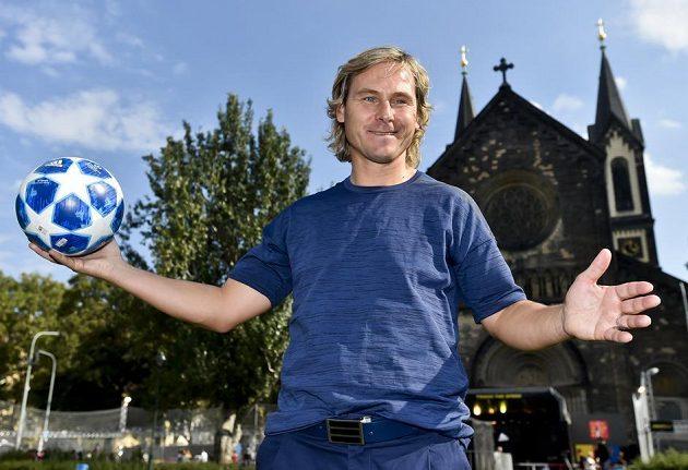 Bývalý kapitán fotbalové reprezentace Pavel Nedvěd při návštěvě Prahy.