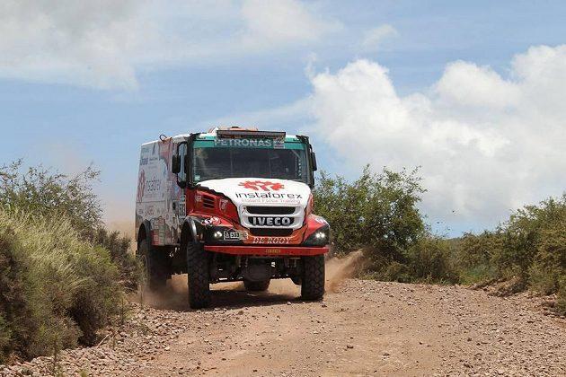 Aleš Loprais na trati 2. etapy Rallye Dakar.