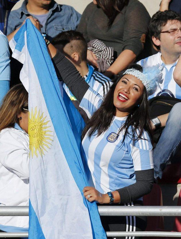 Půvabná fanynka Argentiny.