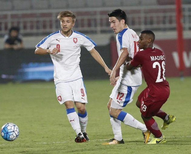 Zleva Martin Frýdek a Robert Hrubý v utkání s Katarem.