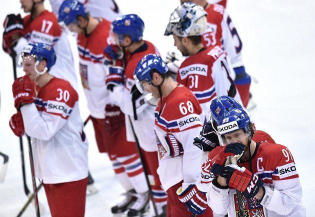 Zklamaný Jakub Voráček a jeho spoluhráči po semifinále s Kanadou.