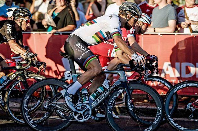 Dvojnássobný mistr světa Peter Sagan na trati v Austrálii.