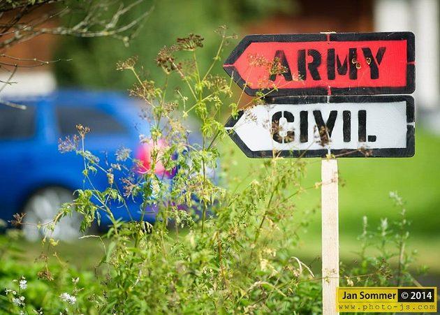K budování a obraně socialistické vlasti... vždy civil!
