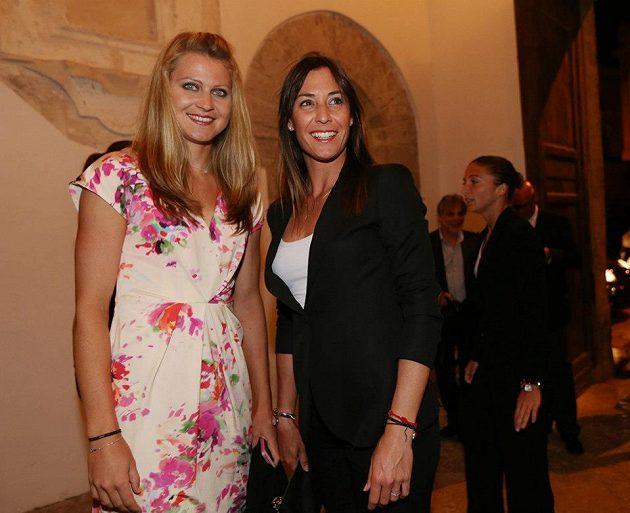 Česká tenistka Lucie Šafářová a Italka Flavia Pennettaová.