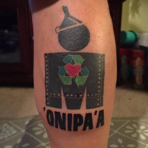 Tetování Dereka Fitzgeralda mluví za vše.