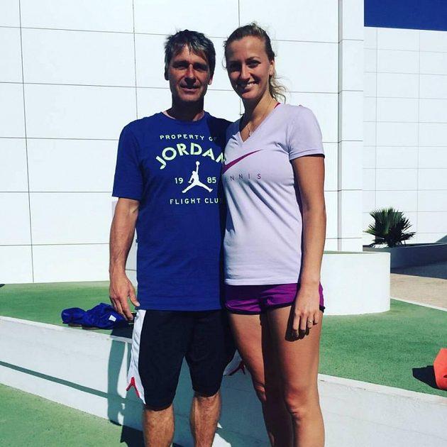 Jan Železný s Petrou Kvitovou při tréninkovém kempu na Kanárských ostrovech.