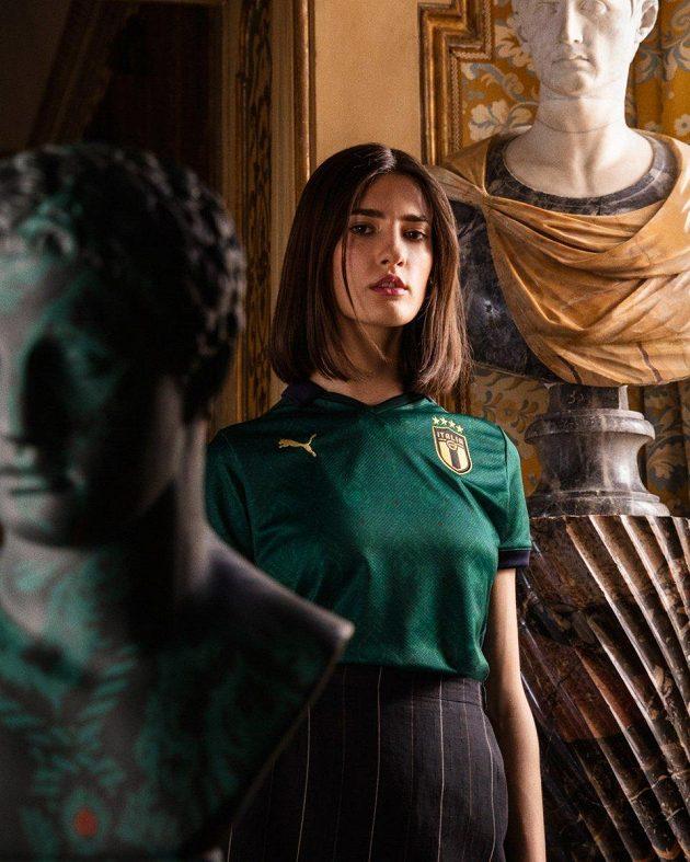 Prezentaci měly nové dresy Itálie náramnou...