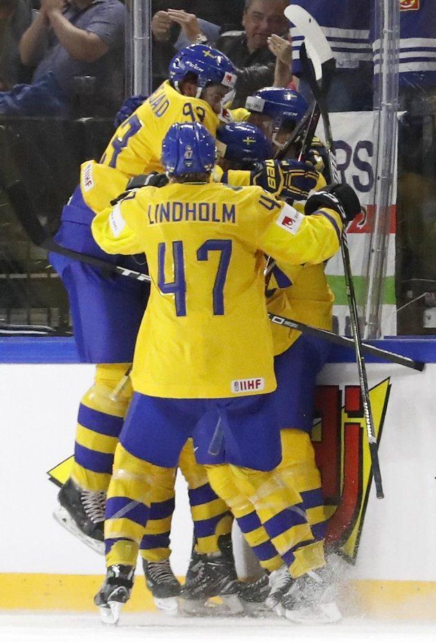 Švédská radost v semifinále na MS s USA.