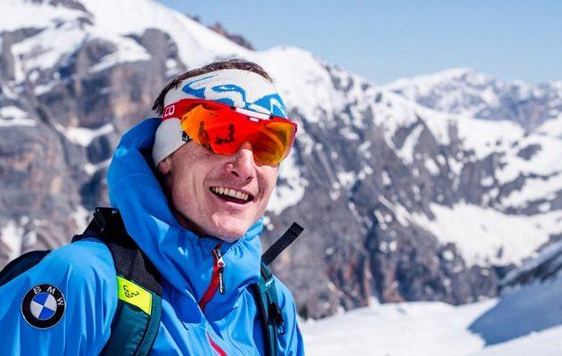 Biatlonista Ondřej Moravec po úspěšné olympijské sezóně relaxuje na skialpech v Jižním Tyrolsku.