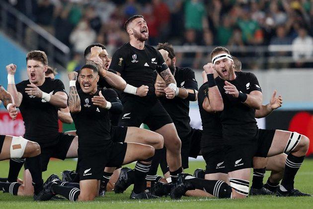 Haka All Blacks před bitvou s Irskem.