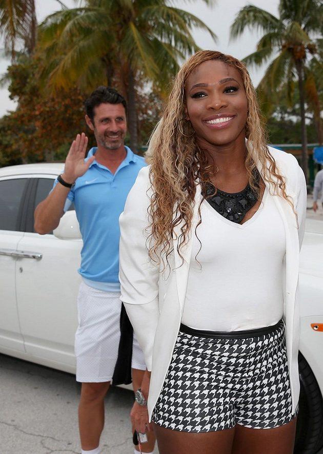Americká tenisová hvězda Serena Williamsová se svým trenérem a přítelem v jedné osobě Patrickem Mouratoglou v Key Biscayne.