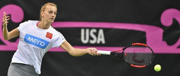 Petra Kvitová v pražské O2 areně v přípravě na finále Fed Cupu proti týmu USA.