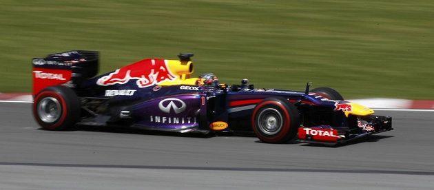 Němec Sebastian Vettel na okruhu Gillese Villeneuvea v Montrealu.