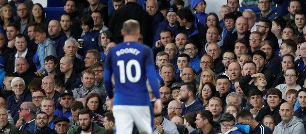 Útočník Wayne Rooney a jeho návrat na Goodison Park v utkání Evropské ligy. Hvězda se snažila, ale podle médií moc nezářila.