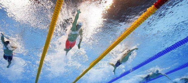 Čínský plavec Sun Jang během finále závodu na 200 metrů volným způsobem.
