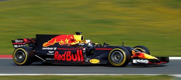 Profil vozu stáje Red Bull pilotovaného Danielem Ricciardem pro sezónu 2017 na okruhu v Barceloně.