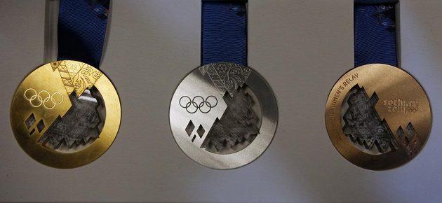 Zlatá, stříbrná a bronzová medaile pro olympioniky v Soči.