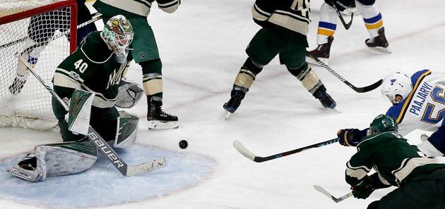 Rozhodující branka Magnuse Paajerviho z prodloužení pátého zápasu na ledě Minnesoty.