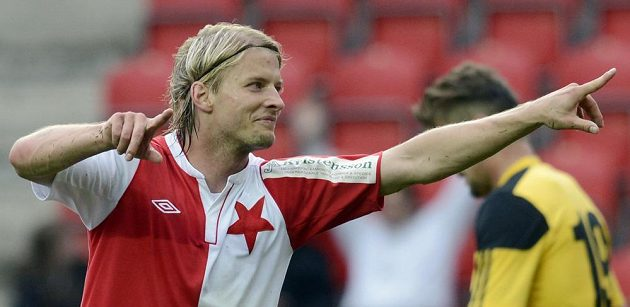 Slávista Tomáš Mičola slaví svoji trefu proti Českým Budějovicím.
