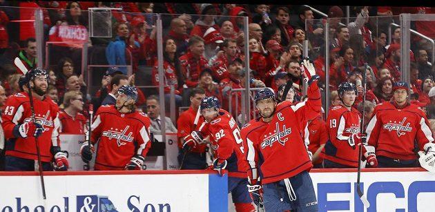 Alexander Ovečkin slaví svůj 693. gól v NHL