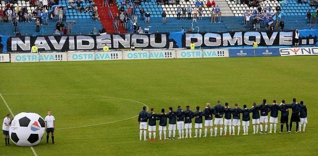 Stadión Bazaly před zahájením zápasu Baník - Dukla.