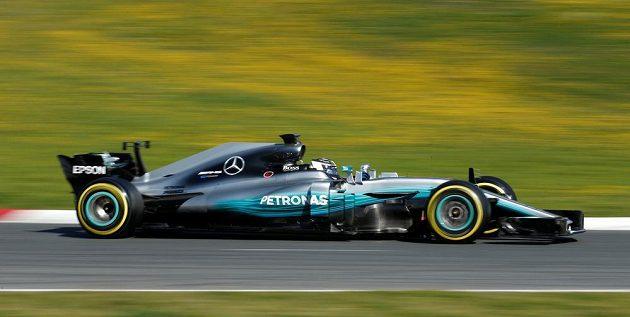 Profil vozu stáje Mercedes pro sezónu 2017 na okruhu v Barceloně.