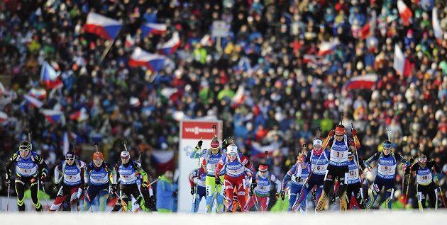 Premiérový start závodu smíšených dvojic v Novém Městě na Moravě.