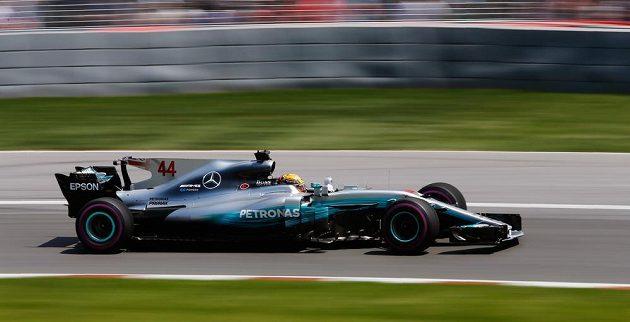 Lewis Hamilton se usadil na prvním místě při Velké ceny Kanady.
