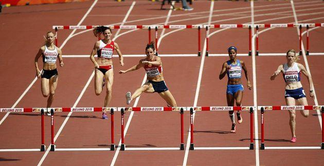 Zuzana Hejnová si v prostřední dráze běží pro postup.