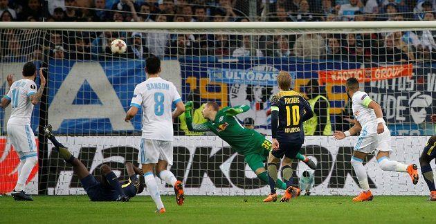 Kapitán fotbalistů Marseille Dimitri Payet se parádně trefil do šibenice.