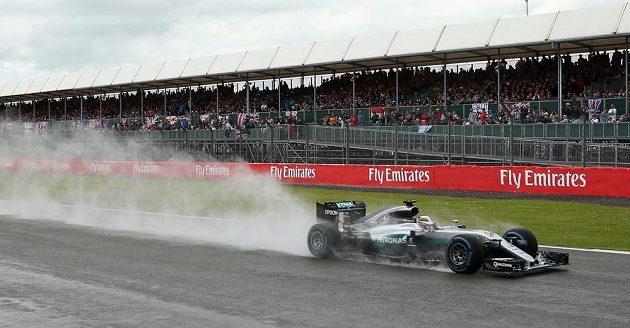 Lewis Hamilton z Mercedesu během Velké ceny Británie.