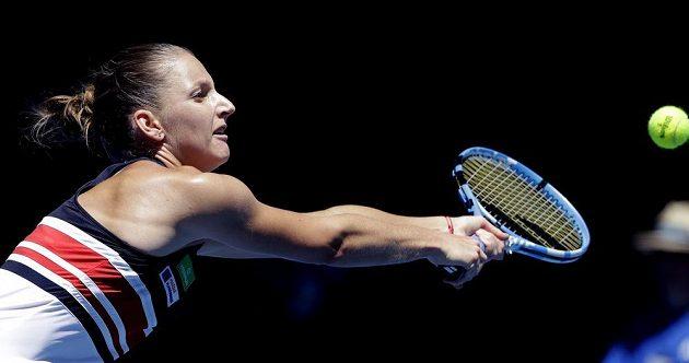 Šestá nasazená Karolína Plíšková na startu Australian Open nezaváhala a porazila Veronicu Cepedeovou z Paraguaye ve dvou setech.